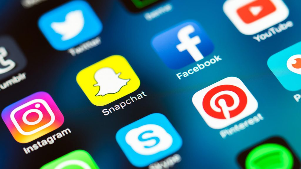 Redes sociales recolectan datos